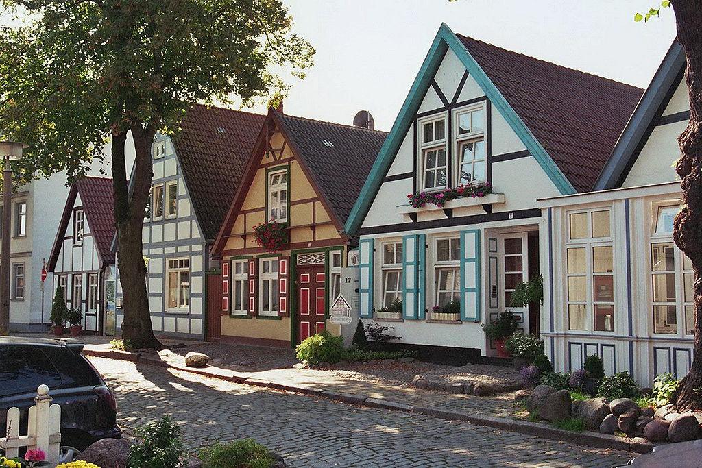 1024px-W´münde_Altstadt_(03)_2006-09-21