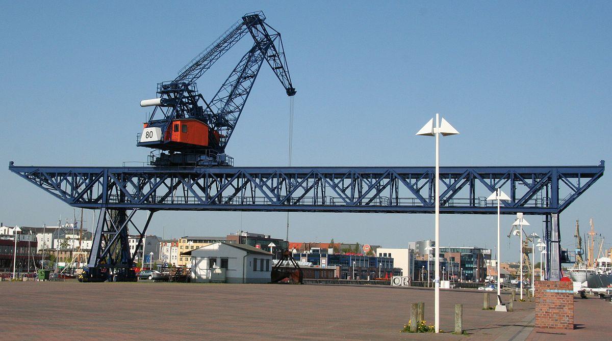 1200px-Portalkran_Stadthafen_Rostock